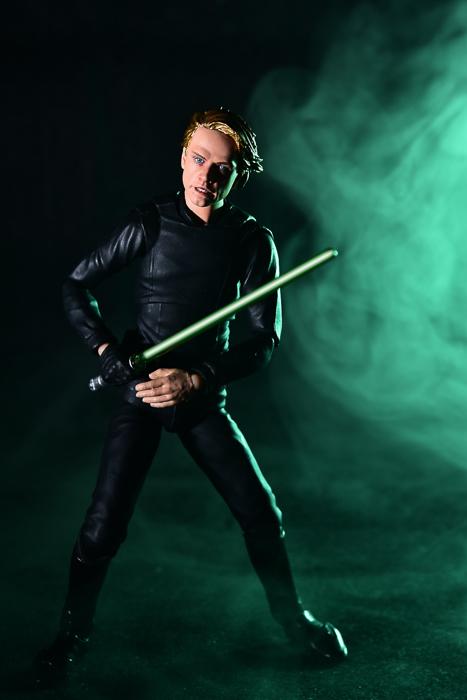ツバキアキラが撮った、S.H.フィギュアーツのルーク・スカイウォーカー。Ep6のルークをスモーク撮影してみました。